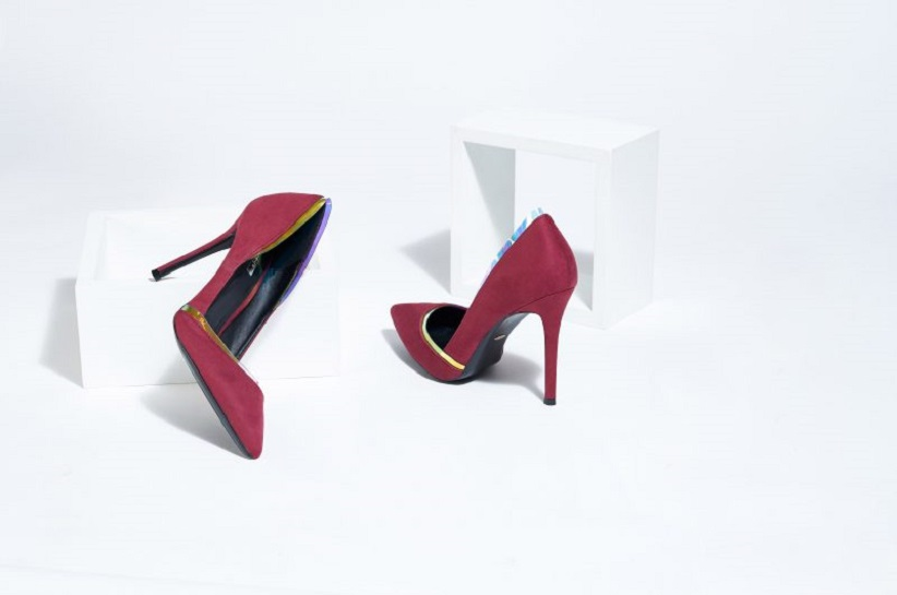 Кращі стилізації з бордовими туфлями на шпильці – ідеї на кожен день і для особливих випадків