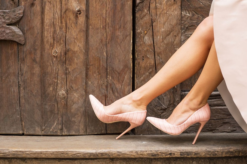 Рожеві туфлі на шпильках – поєднання комфорту і чарівності