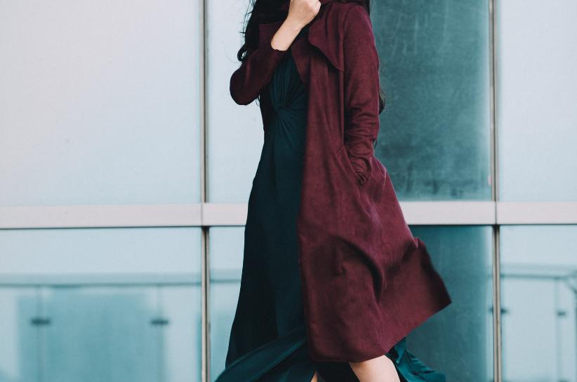 Бордове пальто – must have осіннього сезону. Підказуємо, як стильно обіграти його в своїх стилізаціях